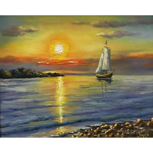 На берегу вечернего моря